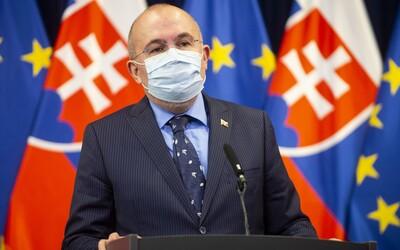 Na Slovensko má prísť budúci týždeň 10 miliónov rúšok, 11-tisíc ochranných oblekov a 100-tisíc respirátorov
