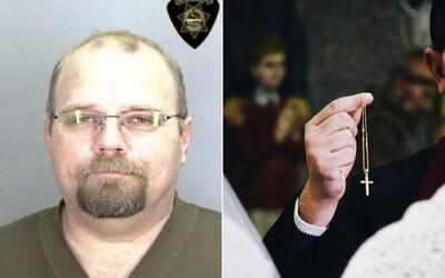 Na spovedi sa priznal, že zneužil maloletú. Kňaz ho nahlásil, mužova manželka žiada odškodné 10 000 000 dolárov