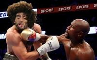 Na súboji McGregora s Mayweatherom si už zgustli užívatelia na internete. Vtipné obrázky nešetrili najmä porazeného Íra