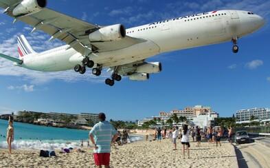 Na světoznámé pláži v Karibiku letadlo zabilo ženu. Turistka doplatila na to, že nerespektovala výstrahy