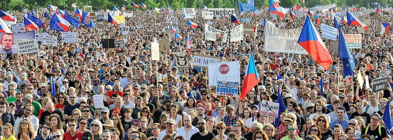 Na Václavském náměstí bude demonstrace proti Zemanovi. Chystají se na ni tisíce lidí