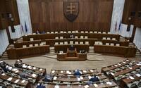 Na voľby by sa malo pripravovať 25 politických strán, koalícií či hnutí