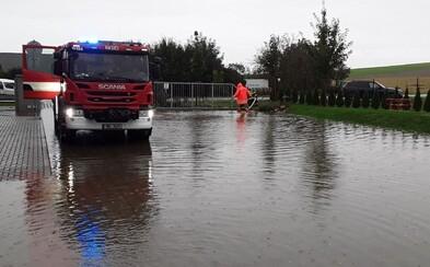 Na východě Čech a na Moravě platí nejvyšší povodňový stupeň