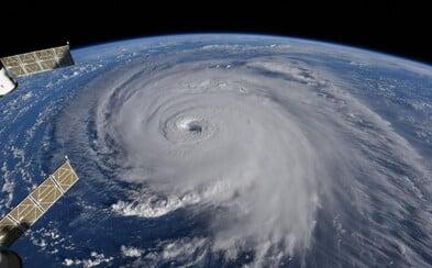 Na východné pobrežie USA sa rúti hrozivý hurikán Florence, ktorý zachytili astronauti z ISS na dychberúcich fotografiách