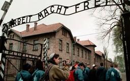 Nacistický koncentračný tábor Auschwitz, kde zavraždili viac ako milión ľudí, vrátane Slovákov, oslobodili pred 75 rokmi