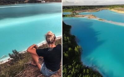 Nádherné jezero přezdívané Ruské Maledivy je ve skutečnosti toxické. Sousedící elektrárna tam vypouští odpad