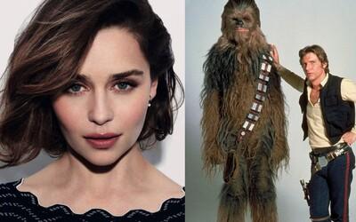 Nádhernú Emiliu Clarke uvidíme po boku Han Sola a Chewieho. Zahrá si v prichádzajúcom Star Wars filme