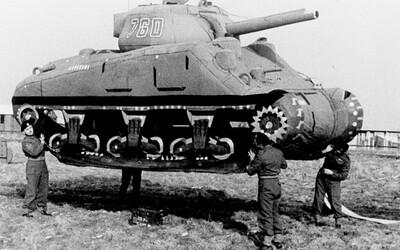 Nafukovacie tanky či falošné vojenské tábory. Armáda duchov strašila nacistov dokonalými trikmi