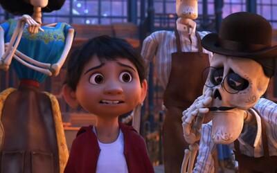 Nahliadnite do krajiny mŕtvych v lákavých ukážkach skvelo vyzerajúcej pixarovky Coco