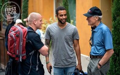 Nahliadnite s Clintom Eastwoodom do zákulisia skutočného príbehu a spoznajte troch obyčajných kamarátov, ktorí zmarili teroristický útok