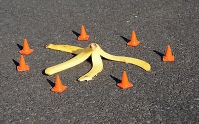 Náhodný umelec zlepšuje náladu okoloidúcim jednoduchými pouličnými inštaláciami. Zábavné značky by vylepšili deň každému
