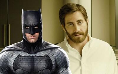 Náhradníkom Bena Afflecka v úlohe Batmana by mohol byť talentovaný Jake Gyllenhaal, ktorý sa už s režisérom údajne aj stretol