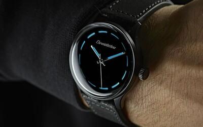 Najčiernejšie hodinky pohlcujú 99,9 % svetla a vymyslel ich Čech. Pol milióna na projekt vyzbieral za 10 minút