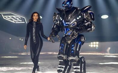 Najdiskutovanejšou prehliadkou NYFW je šou Philippa Pleina. Irinu Shayk sprevádzal robot a večer  uzatváral model bez nôh