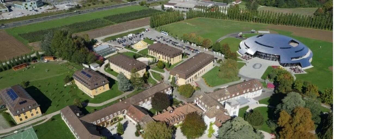 Najdrahšia škola na svete má vlastnú plachetnicu, dostihy či zimný štadión. Študenti v nej navyše dostávajú vreckové
