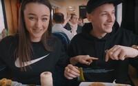 Najedli sme sa v reštauračnom vozni a preskúmali Trenčín. Môžeš si v našich vlakoch pochutiť?