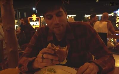 Najhnusnejší burger a najkrajšia vlaková trať na svete. Jimmy Pé pokračuje na ceste naprieč Áziou