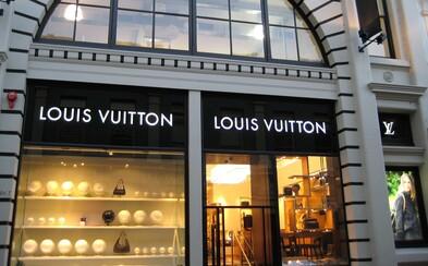 Najhodnotnejšou značkou oblečenia je podľa magazínu Forbes Louis Vuitton. Kto je v závese?