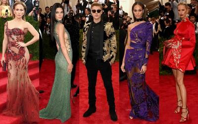 Najkrajšie outfity z bálu Met Gala 2015, na ktorom nechýbala Rihanna, Beyoncé či Kim a Kanye