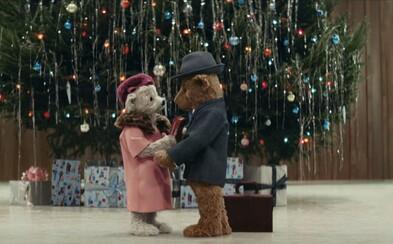Najkrajšiu vianočnú reklamu tento rok nemá žiadny obchod, ale letisko Heathrow. Pri jej sledovaní ti zrejme vypadne aj slzička