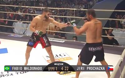 Najlepší český MMA bojovník Jiří Procházka vyhral ďalší zápas! Súpera dorazil v 1. kole