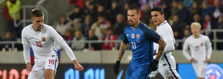 Najlepší slovenský futbalista sa taktiež dočkal vlastnej busty.  Fanúšikovia však z nej príliš nadšení nie sú