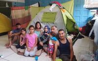 Najlepšie z Refresheru za uplynulý týždeň: Slovenka zachránila 7-člennú rodinu utečencov, vyskúšali sme Tinder cez ženský profil