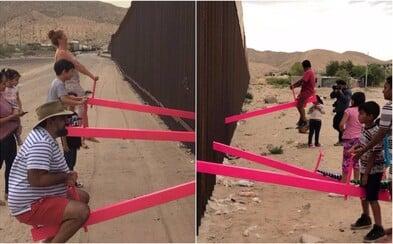 Nejlepším designem roku 2020 se staly růžové houpačky na Trumpově zdi rozdělující USA a Mexiko