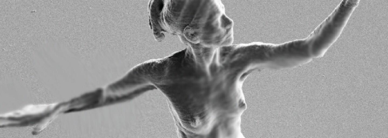 Najmenšia socha na svete zobrazujúca človeka zažila tragický osud. Dodnes nám po nej zostali iba fotky