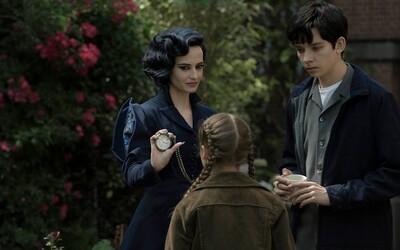 Najnovší film Tima Burtona so zvodnou Evou Green sa vráti k temnému, no zároveň čarovnému fantasy svetu