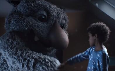 Nejočekávanější vánoční reklama od John Lewis je konečně tady. Hlavní hvězdou je roztomilé chrápající monstrum