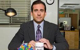 Najsledovanejším seriálom na Netflixe je The Office. Číslami prekonal aj Priateľov