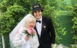 Najúspešnejší slovenský youtuber David Dobrik sa oženil s kamarátovou mamou. O mesiac na to sa rozviedli