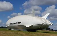 Najväčší lietajúci stroj na svete vyzerá ako zadok a konečne sa chystá do vzduchu. Vznikol pre armádu, ale nakoniec skončil úplne inak