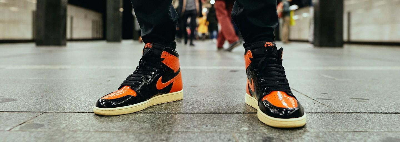 Najväčší módny hriech sú vraj sandále s ponožkami. Koľko sú ochotní mladí Pražáci zaplatiť za oblečenie?