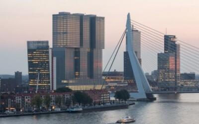 Najväčšia budova Holandska postavená v štýle lega