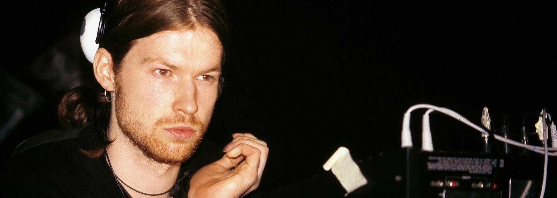 Najvplyvnejší muž elektronickej hudby je späť. Aphex Twin vydáva nový track s divokým vizuálom a pripravuje EP