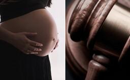 Najvyšší súd USA odmietol zrušiť texaský zákon zakazujúci interrupcie po 6. týždni tehotenstva