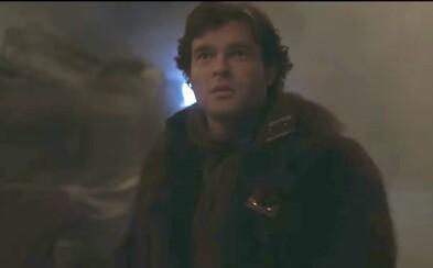 Najznámejší pašerák štartuje Millennium Falcon a odlieta do akcie. Solo: A Star Wars Story prichádza s ďalšími lákavými ukážkami