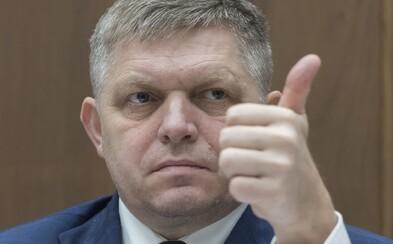 NAKA obvinila Roberta Fica z hanobenia národa, rasy a podnecovania k nenávisti za schvaľovanie Mazurekových rasistických výrokov
