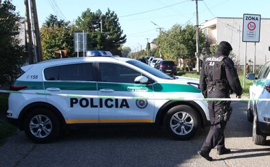 NAKA zadržala troch bývalých príslušníkov Slovenskej informačnej služby. Dôvodom má byť drogová činnosť a nedovolené ozbrojovanie