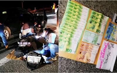 NAKA zasahovala na východe: Policajti zadržali obchodníkov s pervitínom, v aute mali v hotovosti tisícky eur