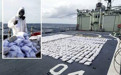 Námorníci zadržali v Indickom oceáne až tonu heroínu! Náklad v hodnote 200 miliónov eur sa už do Európy nikdy nedostane