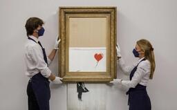 Napůl skartovaný Banksyho obraz se prodal za více než půl miliardy korun