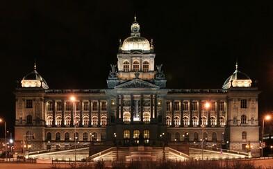Národní muzeum se přiblíží své původní podobě. Začerněná fasáda byla omyta a postupně se odhaluje