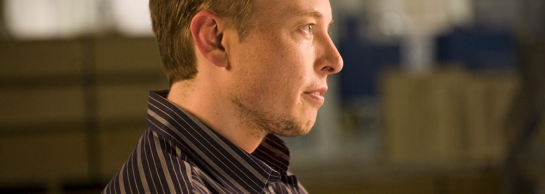 Náš mozog a počítač budú jedno. Elon Musk chce implantátmi premeniť ľudí na nadľudských polorobotov