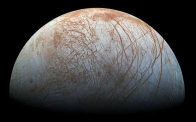 NASA mieri na jeden z mesiacov Jupitera. Skrýva sa pod ľadovou pokrývkou podmorský život?