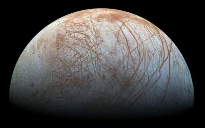 NASA míří na jeden z měsíců Jupitera. Skrývá se pod ledovou pokrývkou podmořský život?