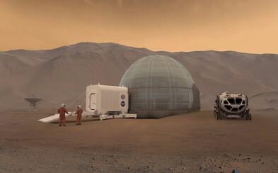 NASA nemá dostatok peňazí na to, aby na Mars vyslala misiu s ľudskou posádkou. Nádej preto ponúkajú snahy Elona Muska či Boeingu