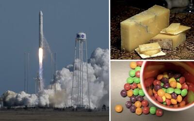 NASA poslala astronautom pol tony cukríkov a syrov. Doplnili nevyhnutné zásoby